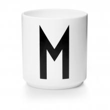 Tasse en porcelaine M