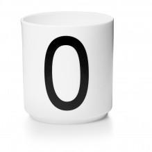 Tasse en porcelaine O