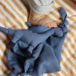 Agnete knuffeldoekje - Dino blue wave